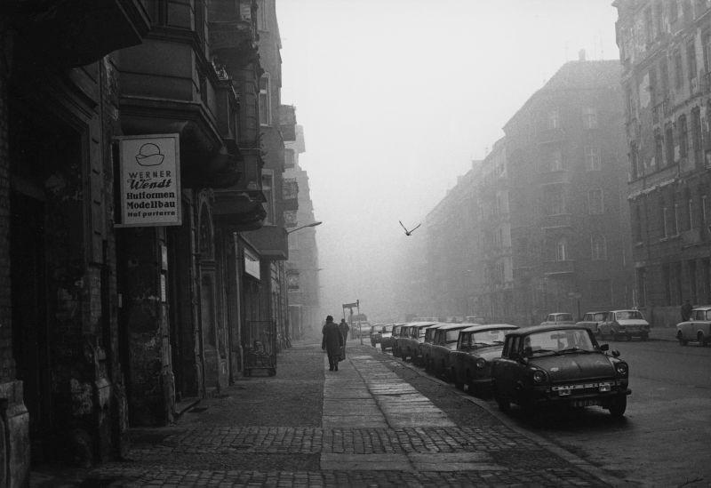 Winsstraße mit Taube -1970er-Jahre