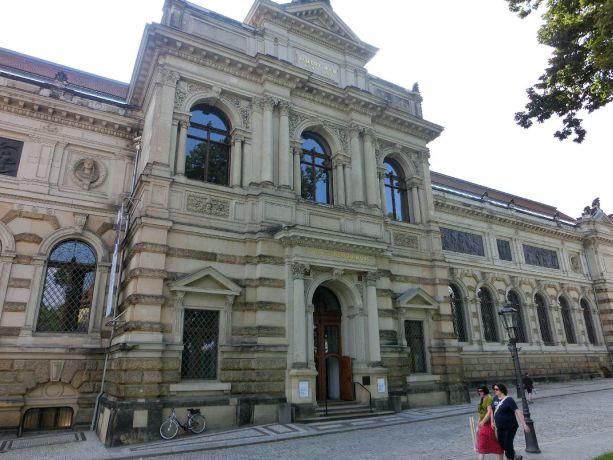 Albertinum Dresden Eingang von der Brühlschen Terrasse Foto EMOD