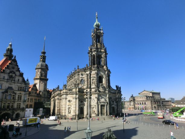 Katholische_Hofkirche_Dresden_Kathedrale