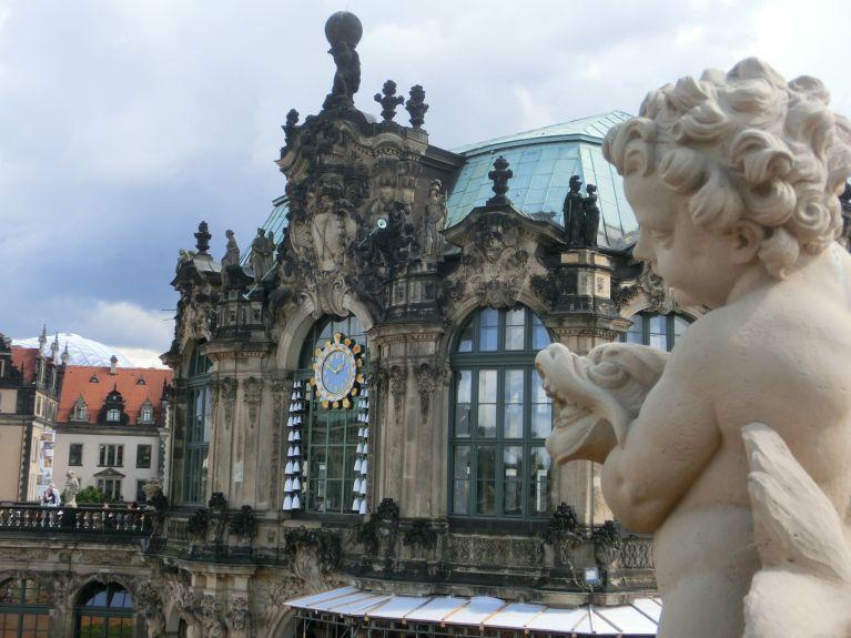 Dresdner Zwinger mit Porzellansammlung Foto EMOD