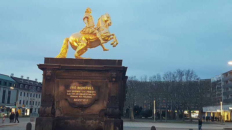 Goldener Reiter am Neustädter Markt (c) kuka