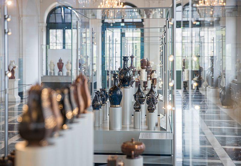 Blick in den neugestalteten Böttgersaal der Porzellansammlung im Zwinger1 (c) Oliver Killig.jpg