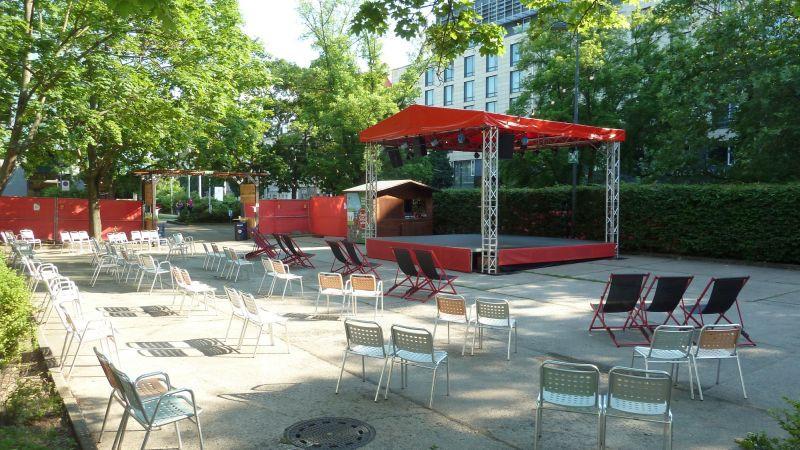 Haus der Presse - Sommergarten (c) KuKa